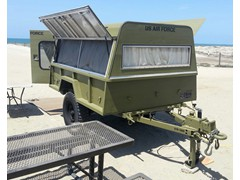 Military Trailer M101A2 with Camper Shell Commando Green
