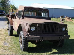 1967 Kaiser Jeep - M715 Military Army Vehicle