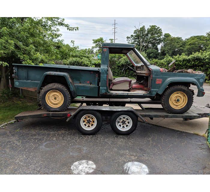 1967 Jeep J2000 Gladiator Truck with Thriftside Bed