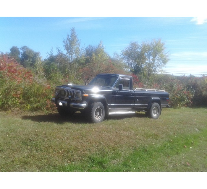 1985 Jeep J10 with Most Accessories