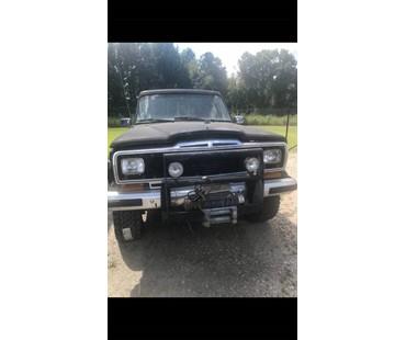 1983 Jeep J10 Laredo 4x4